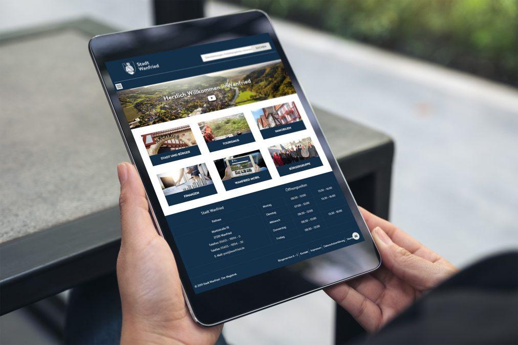 Auch mobil nutzbar: Die Website der Stadt Wanfried kann auch per Tablet oder Smartphone aufgerufen werden.