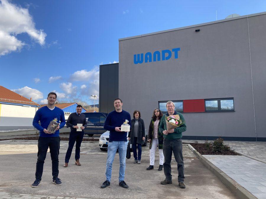 v.l.n.r.: Martin Wandt, Bürgermeister Wilhelm Gebhard, Florian Wandt, Stadtverordnetenvorsteherin Jutta Niklass, Daniela Jakobi (WanfriedHandel(t) e.V.), Thomas Wandt
