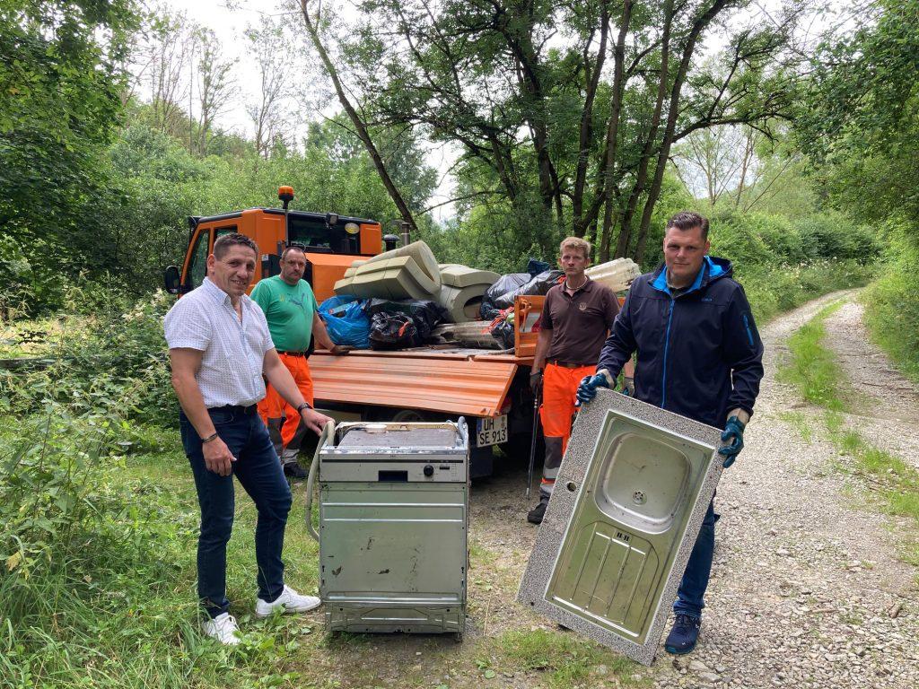 Andreas Henning, Christian Diete, Markus Peterseim und Wilhelm Gebhard nach getaner Arbeit. Bild: Stadt Wanfried